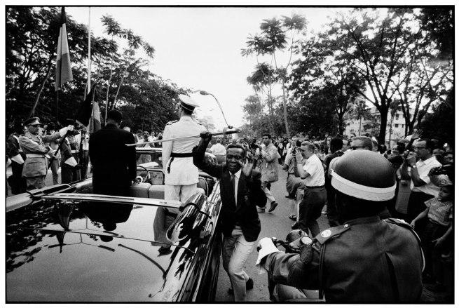 Robert Lebeck. 'The stolen sword, Belgian Congo Leopoldville' 1960