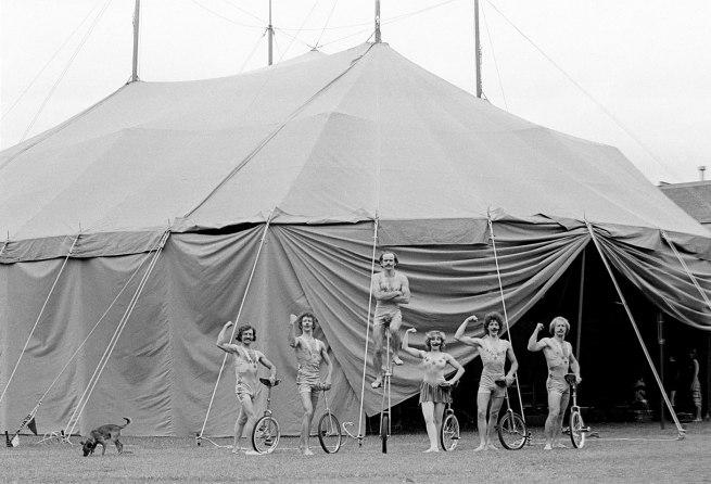 Ponch Hawkes. 'Melantroppos, Circus Oz, Princes Park' 1979