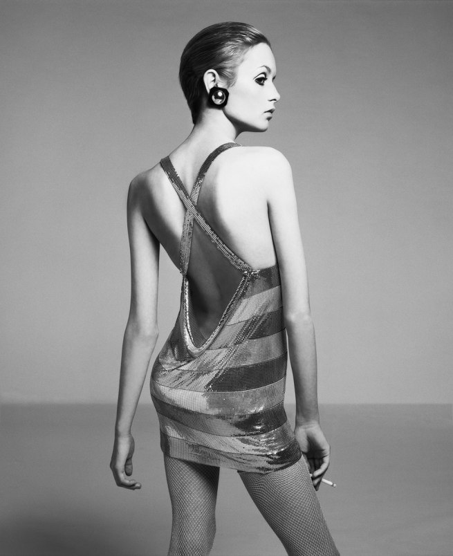 Richard Avedon. 'Twiggy, dress by Roberto Rojas, New York, April 1967' 1967