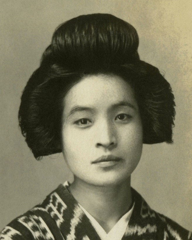 Anonymous. 'Untitled' from a Japanese family photography album c. 1920-30s (detail)