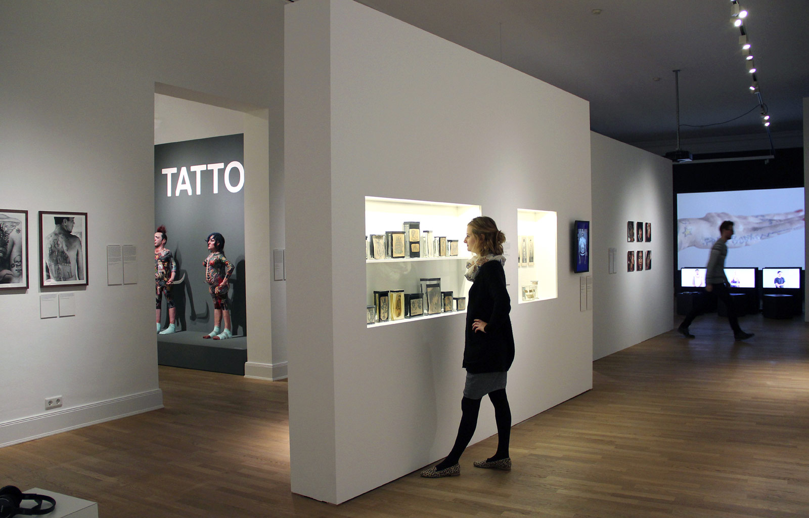 exhibition tattoo at museum f r kunst und gewerbe hamburg art blart. Black Bedroom Furniture Sets. Home Design Ideas