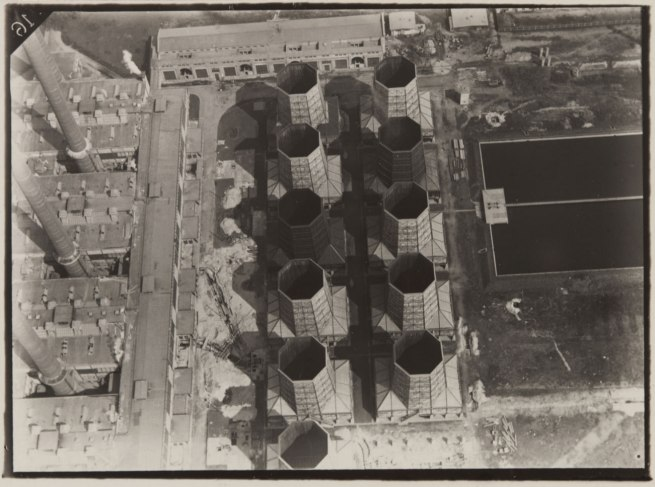Robert Petschow. 'Lines of Modern Industry: Cooling Tower' (Linien der modernen Industrie: Kühlturmanlage) 1920-29
