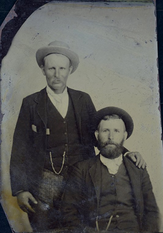 Unknown photographer. 'Alfred and Fred Thomas, proprietors of the Ravenswood Hotel' 1880-90
