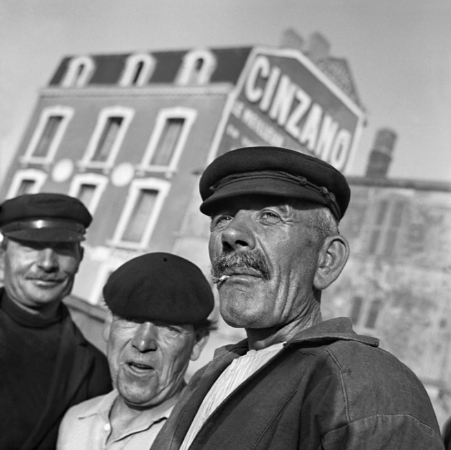 Nicolás Muller. 'Three men' Marseilles, France, 1938