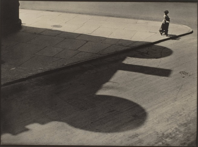 Paul Strand. 'People, Streets of New York, 83rd and West End Avenue' 1916