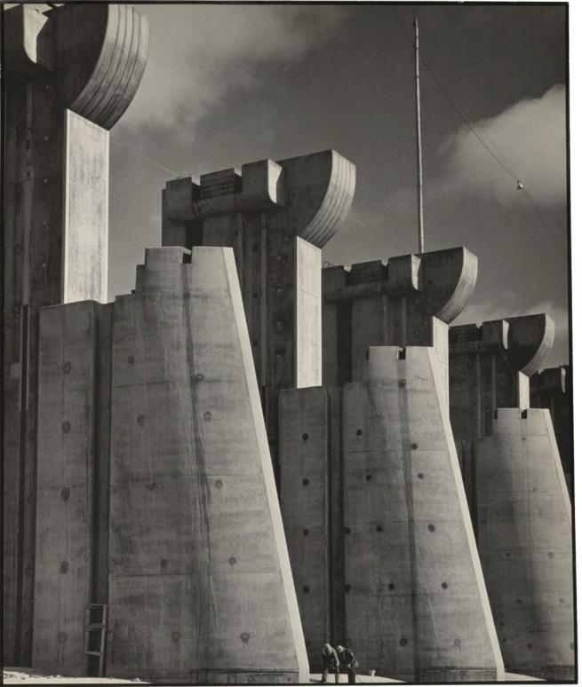 Margaret Bourke-White. 'Fort Peck Dam, Montana' 1936