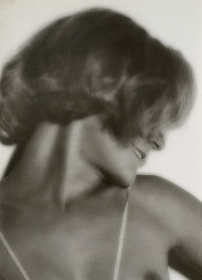 Germaine Krull. 'Assia's profile' 1930