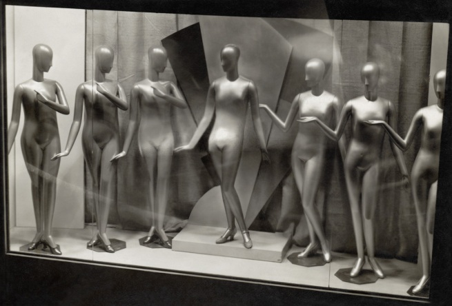 Germaine Krull. 'Étalage: les mannequins [Display: mannequins]' 1928