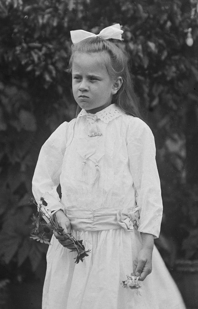 Alfred Elliott. 'Dorothy Elliott' 1911 (detail)