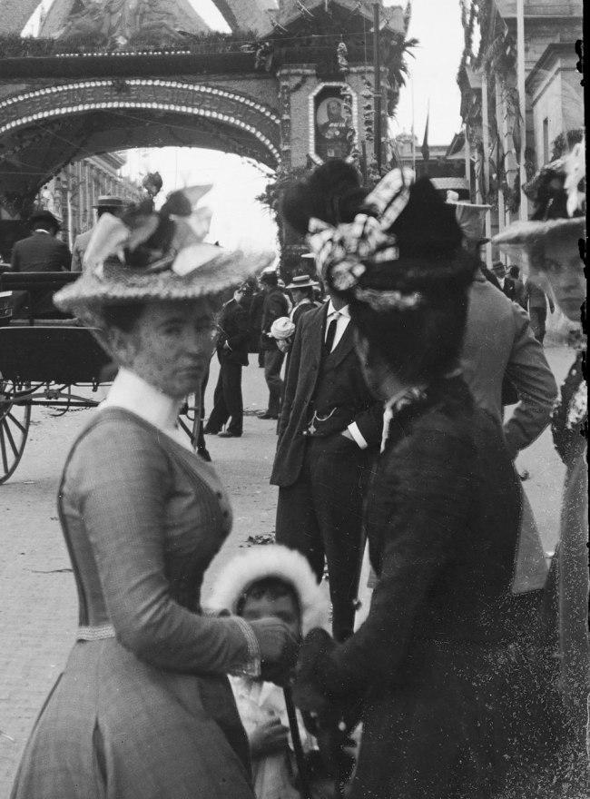 Alfred Elliott. 'Grand Arch, Queen Street, visit of the Duke of York' 1901 (detail)