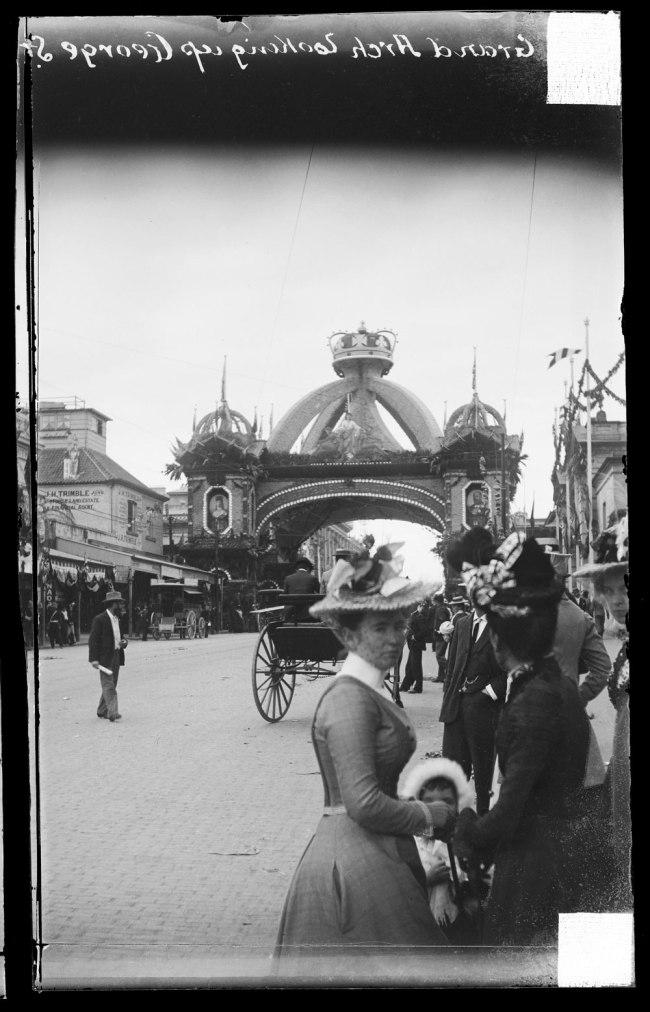 Alfred Elliott. 'Grand Arch, Queen Street, visit of the Duke of York' 1901