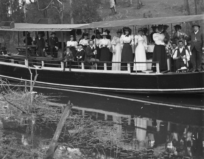 Alfred Elliott. 'Picnic party on Brisbane River at Seventeen Mile Rocks' 1898 (detail)
