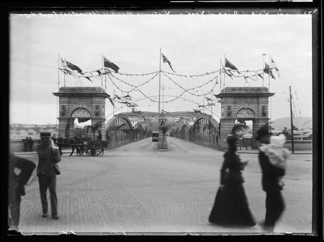 Alfred Elliott. 'Victoria Bridge, decorated for the Duke of York' 1901