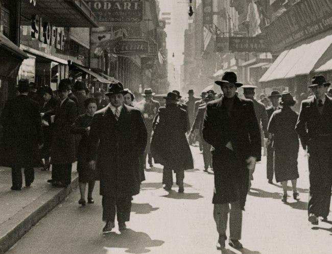 Horacio Coppola (Argentine, 1906–2012) 'Calle Florida' 1936 (detail)