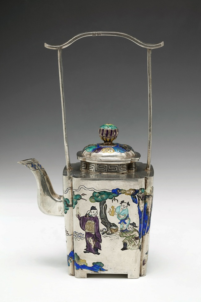 Chinese. 'Teapot with lid' 17th century