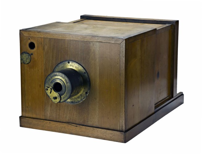 • Daguerreotype camera, made by A Giroux et Cie, 1839