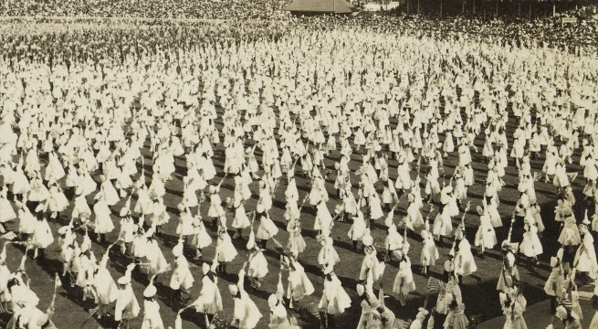 The Rose Stereographs. 'Children's Flag Drill' 1908 (detail)