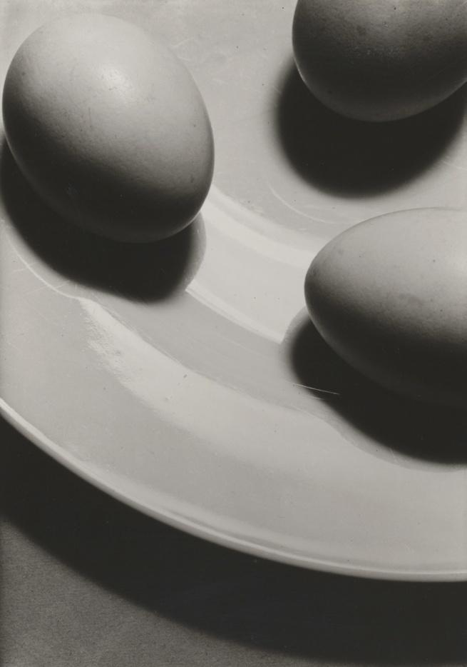 Hans Finlser Eggs on a Plate (Eier auf Teller), 1929