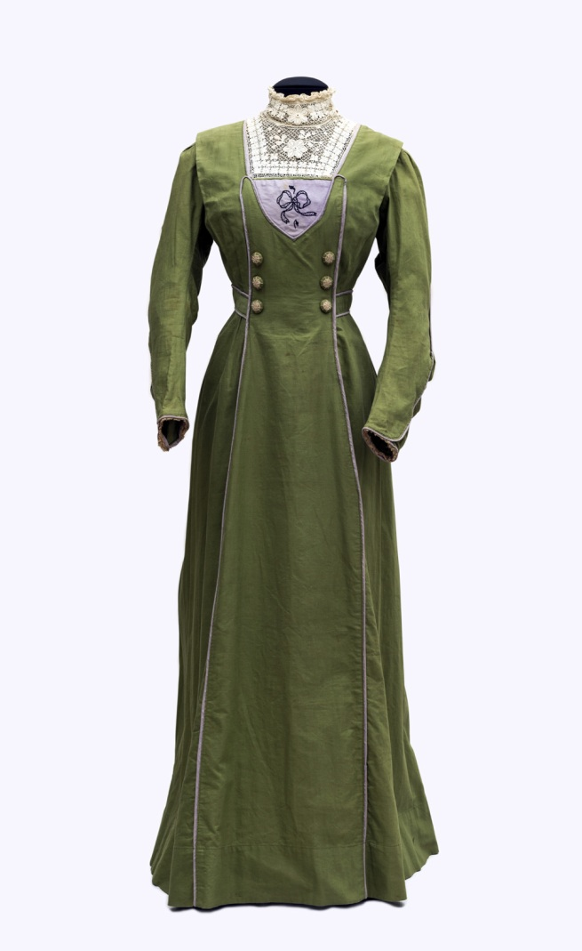 Day dress of a suffragette sympathizer, England, 1905-09