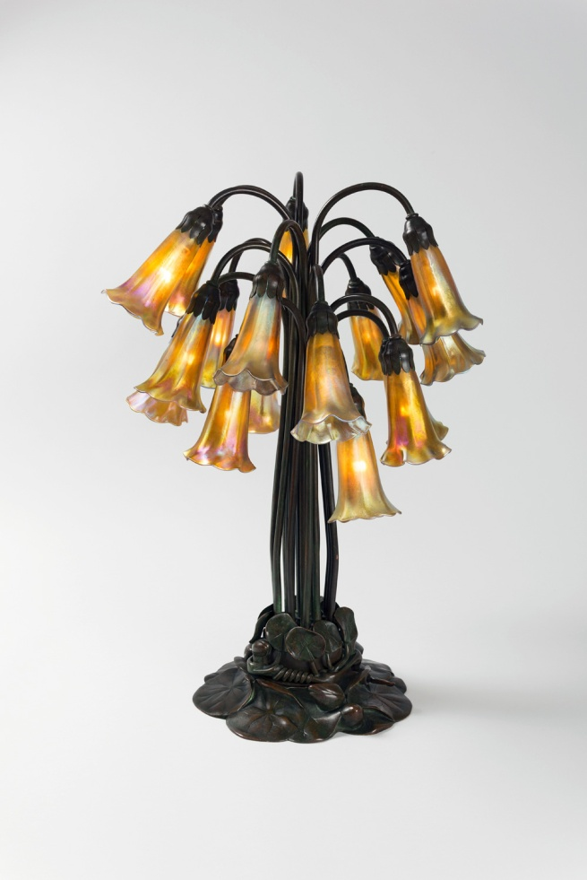 Louis C. Tiffany. 'Pont Lily-lamp' New York, 1900, execution around 1910