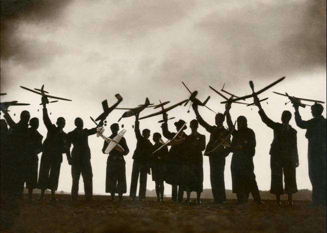 Mondial Photo-Presse. 'Réunion de modélistes' c. 1930