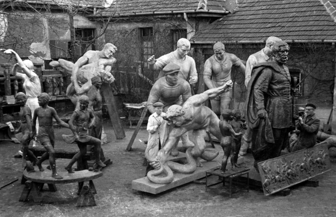 Unknown photographer. 1956 Hungary, Budapest XIII. Jász utca 74, the yard of the sculptural foundry of the Fine Art Designer and Industrial Company