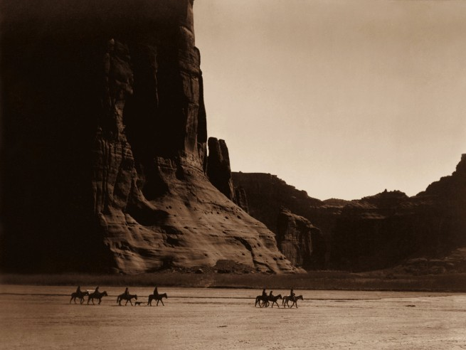 Edward S. Curtis (1868 - 1952) 'Canyon de Chelly - Navaho' 1904