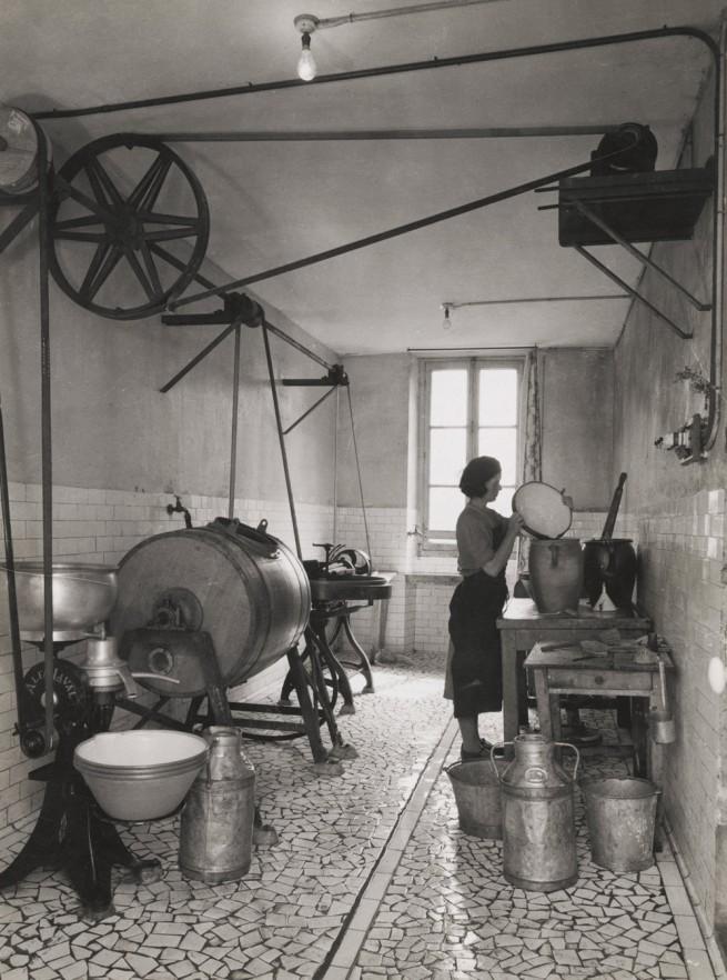 François Kollar. 'Type de laiterie dans une ferme Normande' 1950