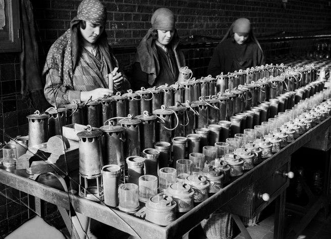 François Kollar. 'Nettoyage des lampes. Société des mines de Lens. Lens (Pas-de-Calais)' 1931-1934