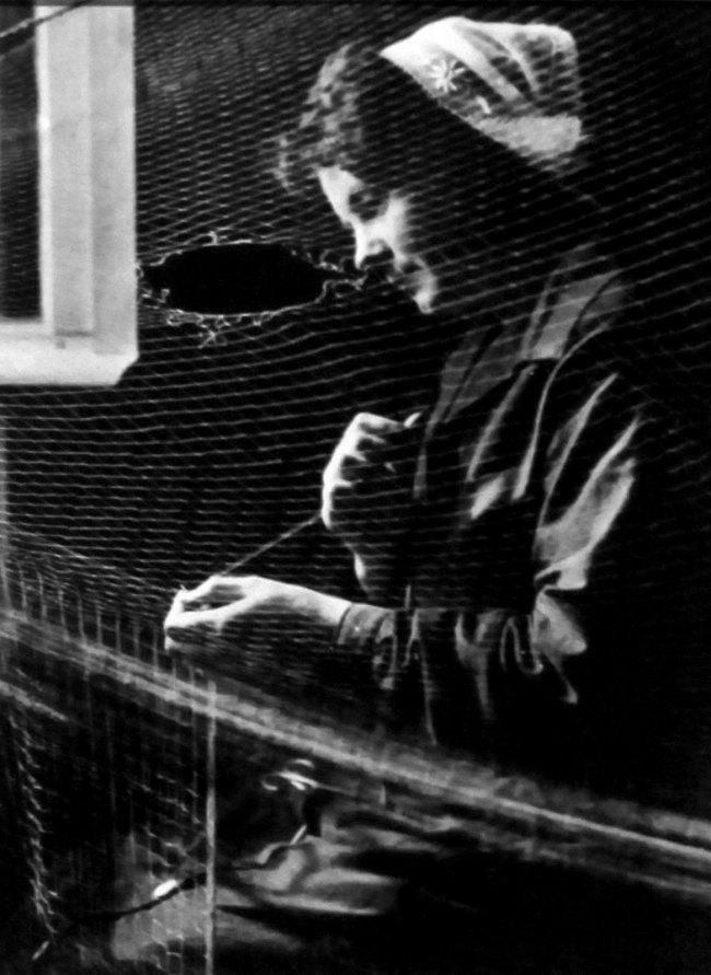 François Kollar. 'Pêcheurs, femme de pêcheurs Sardinier Breton, Audiernes' 1931