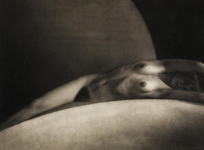 František Drtikol. 'Circular segment (arch)' 1928