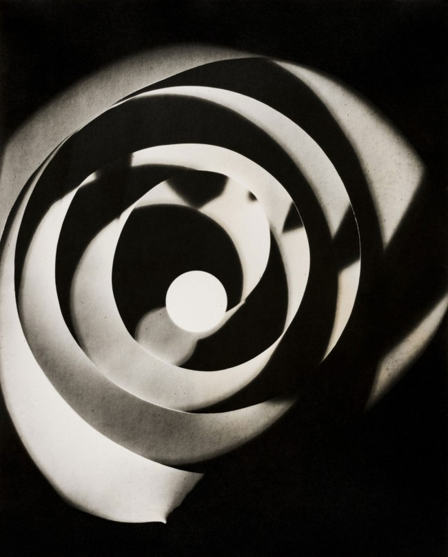 Man Ray. 'Rayograph (spiral)' 1923