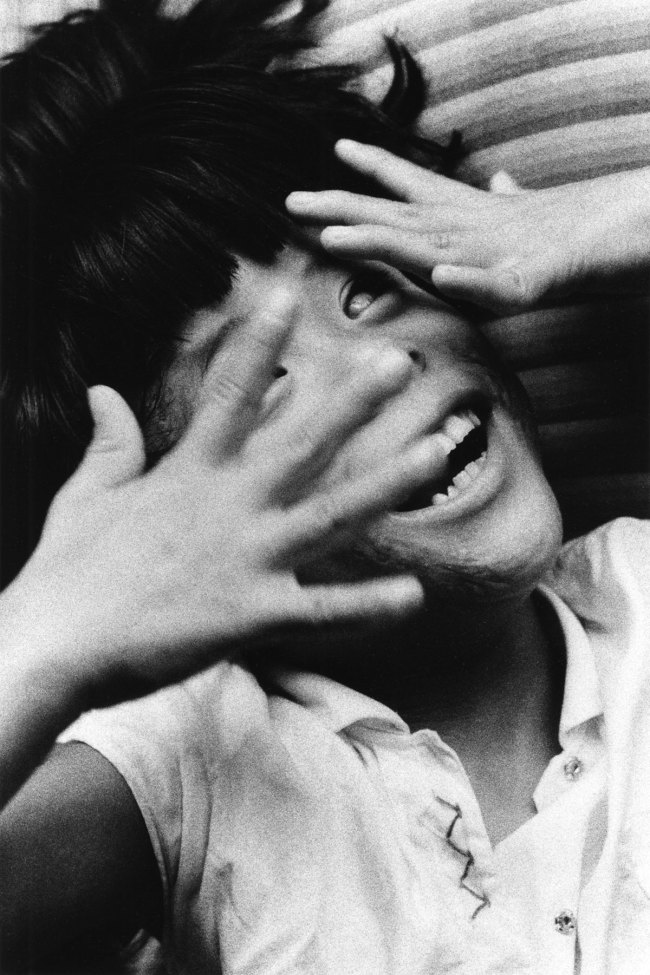 Ken Domon. 'Gemella non vedente [Blind twin (female)]' 1957
