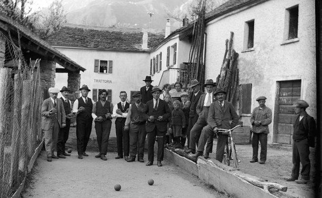 Roberto Donetta. 'In Sonntagsgewand: men in the Torre village come together for bowling' Nd
