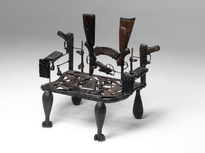Gonçalo Mabunda. 'O trono de um mundo sem revoltas (Le trône d'un monde sans révolte)' 2011