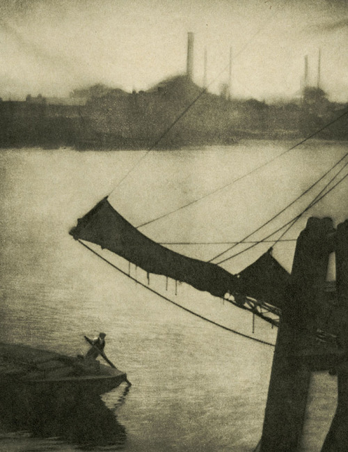 Alvin Langdon Coburn. 'Regent's Canal' c. 1904-1905, published 1909
