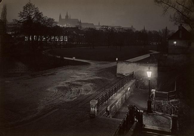 Josef Sudek. 'Prague pendant la nuit' c. 1950-1959