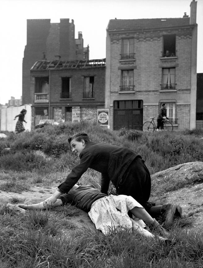 Sabine Weiss. 'Terrain vague, Porte de Saint-Cloud' Paris, 1950