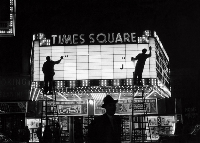 Sabine Weiss. 'Times Square, New York' États-Unis, 1955