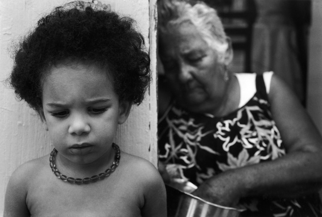 Sabine Weiss. 'Vieille dame et enfant' Guadeloupe 1990