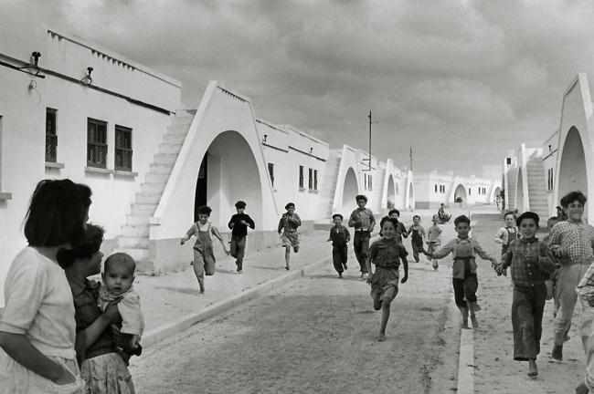 Sabine Weiss. 'Village moderne de pêcheurs, Olhão, Algarve' Portugal, 1954