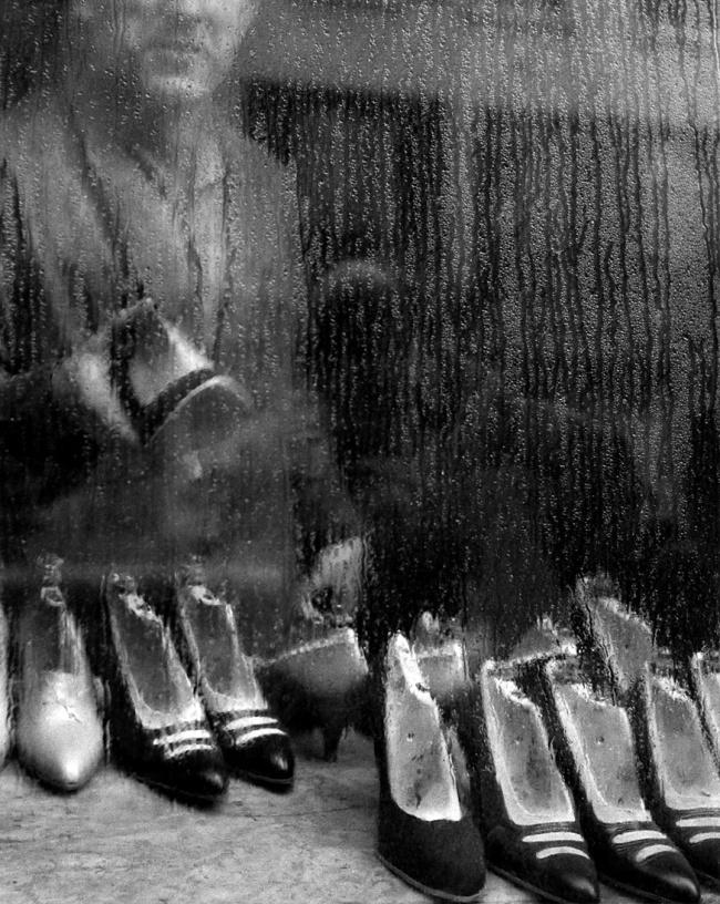 Sabine Weiss. 'Vitrine, Paris' 1955