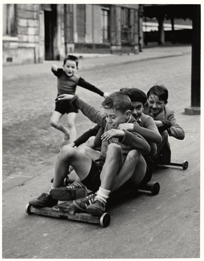 Sabine Weiss. 'Enfants jouant, rue Edmond-Flamand' [Children playing, rue Edmond-Flamand] Paris, 1952