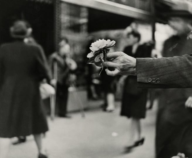 Louis Faurer. 'Market Street, Philadelphia' 1944