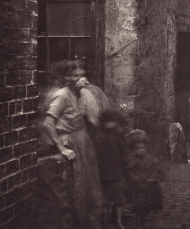 Thomas Annan. 'Old Vennel, Off High Street' 1868-1871 (detail)
