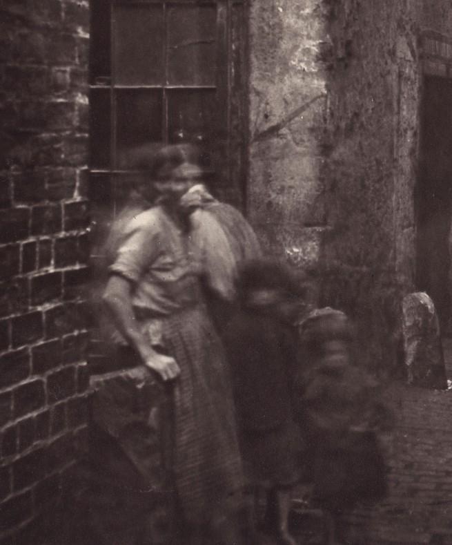 Thomas Annan. 'Old Vennel, Off High Street' 1868-1871 (detail)