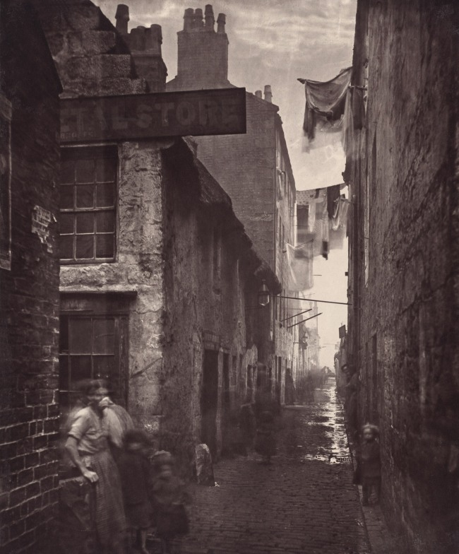 Thomas Annan. 'Old Vennel, Off High Street' 1868-1871