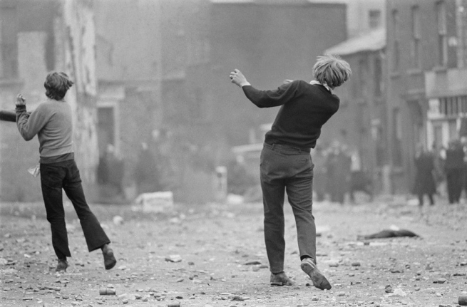 Giles Caron. 'Anticatholic protests, Londonderry, Northern Ireland' August 1969