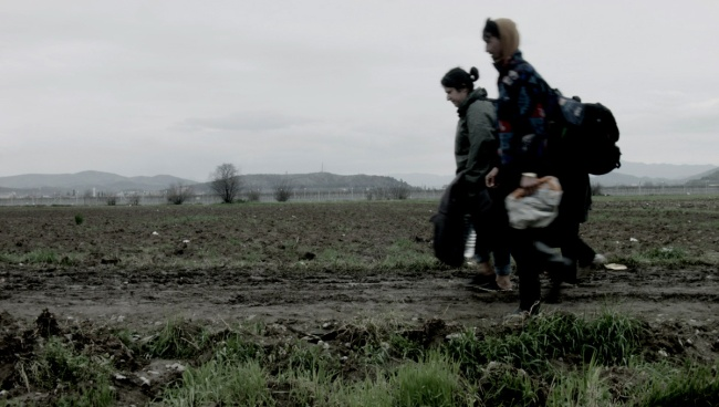 Maria Kourkouta. 'Idomeni, 14 mars 2016. Frontière gréco-macédonienne, (Idomeni, March 14, 2016. Greek-Macedonian border)' 2016