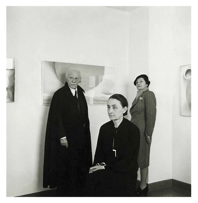 Cecil Beaton. 'From left, Alfred Stieglitz, Mercedes de Acosta, and Georgia O'Keeffe' c. 1943